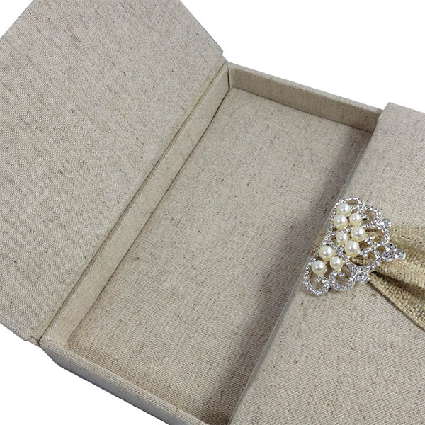 Hand-made box for wedding invitations