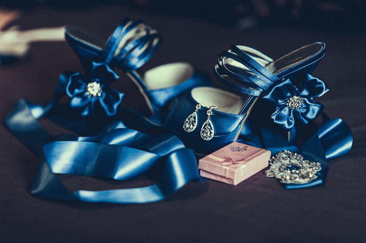 Luxury couture wedding invitations